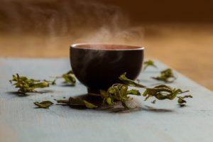 Gerbstoffe im Grünen Tee helfen bei Herpes