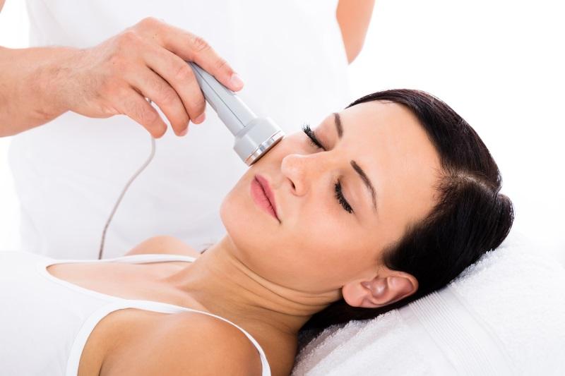 Lasertherapie im Gesicht bei Herpes